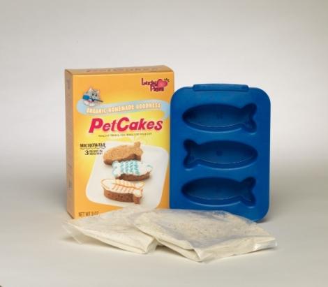 PetCakesCatKit-2Bags-Pan-561x491