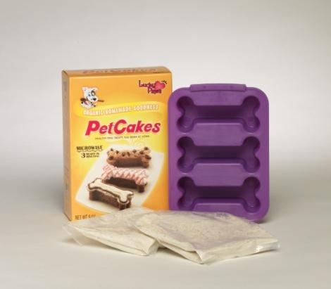 PetCakesDogKit-2Bags-Pan-561x491